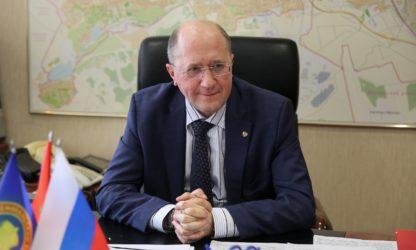 Глава администрации Красносельского района Санкт-Петербурга О.Е.Фадеенко